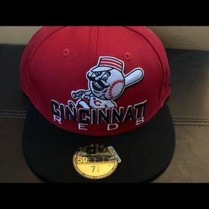 Cincinnati Reds fitted cap size 7 1/4